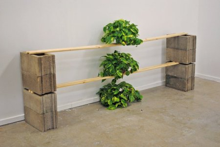 Trickle Down (Sculptural Situation, 2010)